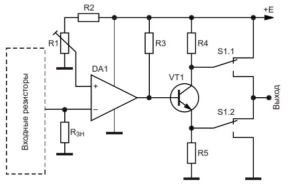 Регулируемый пороговый элемент на основе компаратора в сочетании с универсальным выходным каскадом