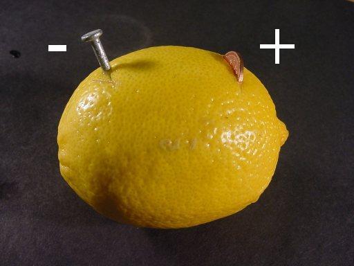 батарея из лимона