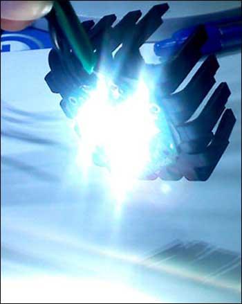 светильник на мощных светодиодных лампах BM6120