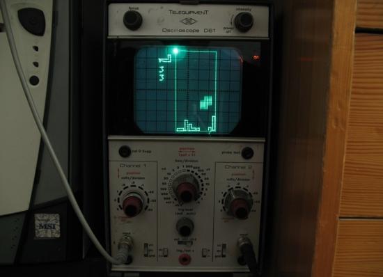 scopetris tetris on Telequipment D-61 analog oscilloscope