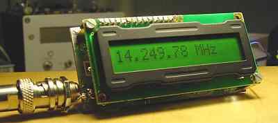 Uploaded with ImageShack.us.  Частотомер на PIC контроллере PIC16F84 с LCD дисплеем.
