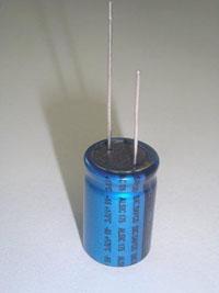 Компания sic-safco выпустила новую серию электролитических конденсаторов для работы при температурах до +175С.