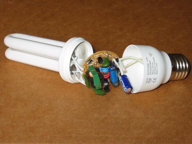 Но скоро...  Типовые схемы преобразователей энергосберегающих ламп.