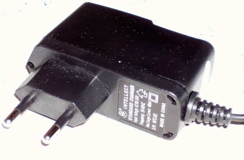 Схемы разных китайских зарядников для сотового телефона.  12.10.2010.