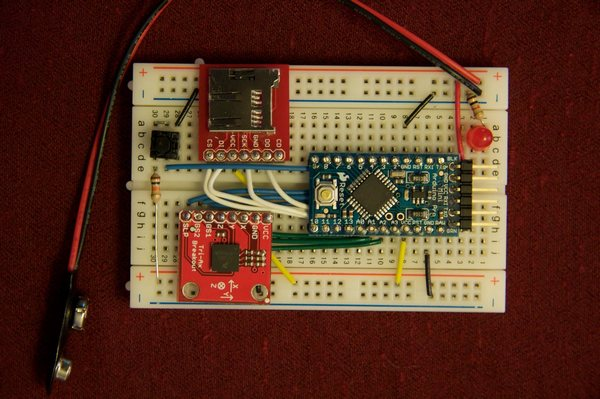 Arduino datalogging accelerometer with µ-SD storage