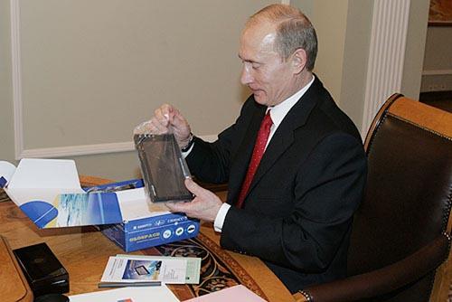 Первый российский аналог iPhone 4
