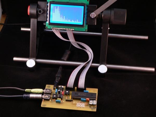 В этом проекте аудио анализатор спектра в реальном времени реализуется с использованием 8-битного микроконтроллера...