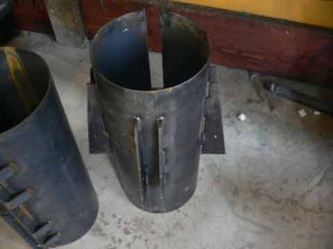 The picture above shows detail of the guy wire anchors welded to a coupler for my 20 foot diameter turbine