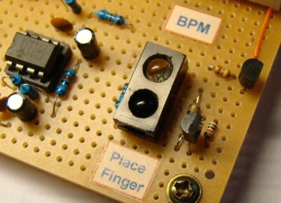 ИК сенсор в измерителе пульса