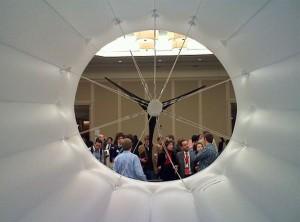 Самым важным аспектом дирижабля является его преимущество в цене, которая составляет примерно 30 - 50 процентов от стоимости разворачивания традиционных ветровых турбин