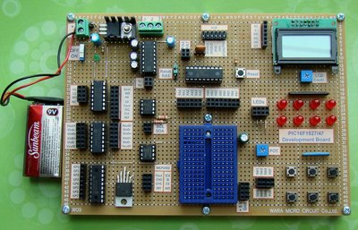 Development board for PIC16F1827/47