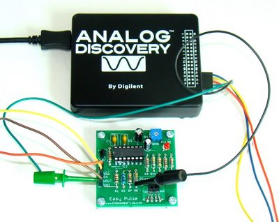 Connecting the Analog Discovery tool to measure the signal waveforms