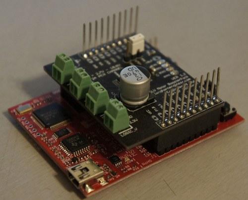 Плата Motor Driver Booster Pack, подключенная к отладочной плате MSP430 LaunchPad