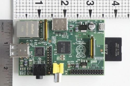 Одноплатный компьютер размером с кредитную карту может подключаться непосредственно к телевизору.