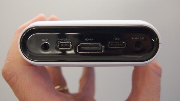 Проектор TouchPico превратит любую стену в сенсорный экран