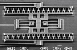 Quartz oscillators make way for MEMS