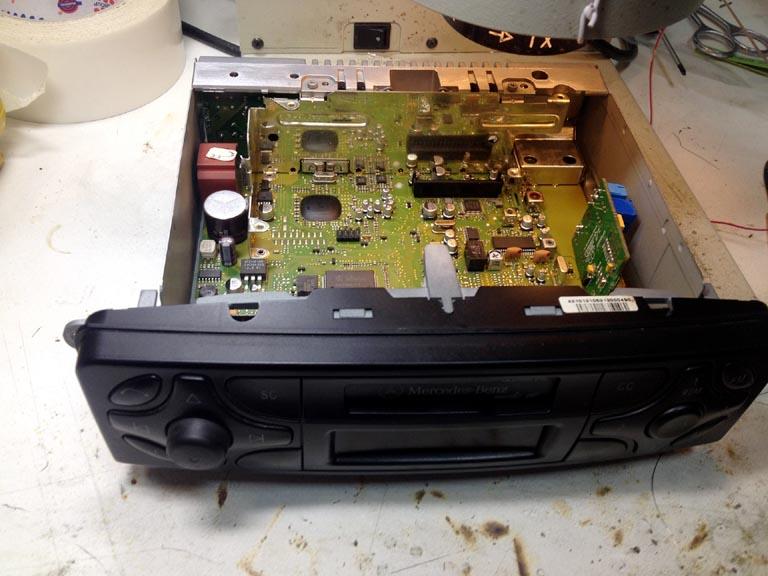 Расширение возможностей штатной аудиосистемы Mercedes W203