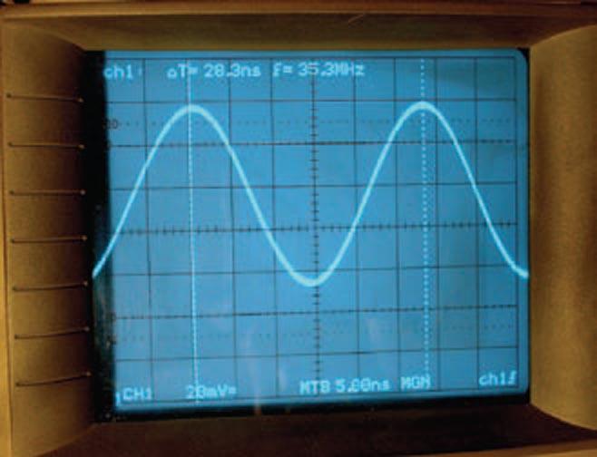 Series-LC-tank VCO breaks tuning-range records