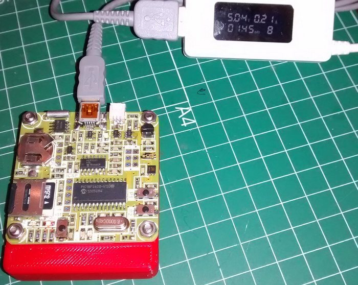 Datalogger: Power consumption when charging the battery.