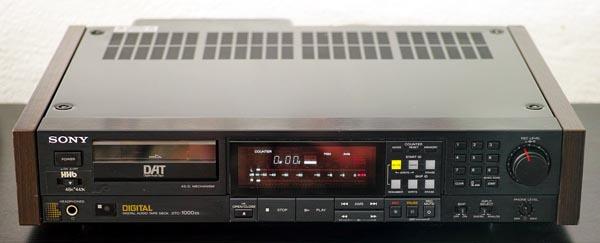 Цифровой магнитофон DTC-1000ES