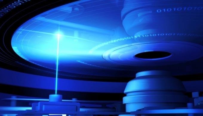 Российские ученые создали «вечный диск» с гарантийным сроком хранения 100 тысяч лет