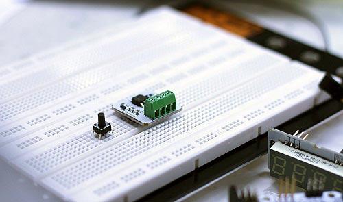 В Росэлектронике разработали единую базу данных отечественной ЭКБ