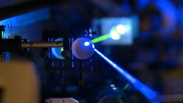 Специалисты Росэлектроники получили грант на работы в сфере электрооптических полимеров
