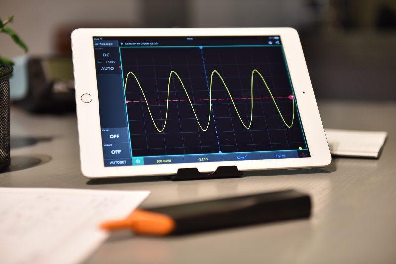 Ikalogic redefines Portable oscilloscopes