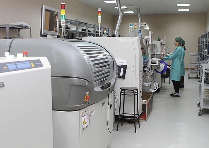 Российский завод реконструировал производство для серийного выпуска материнских серверных плат
