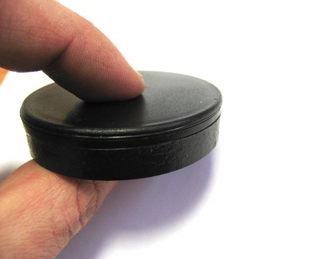 Микрон начал серийное производство новых усиленных RFID-меток для промышленной эксплуатации