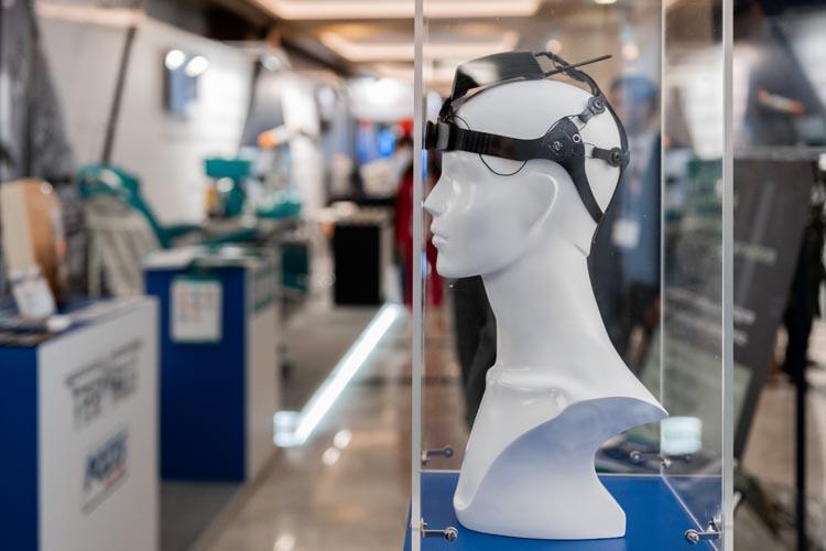 Ростех планирует выпустить в свободную продажу шлем-нейроинтерфейс