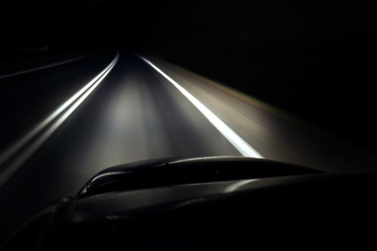 Разработка Ростеха позволит автомобилям видеть дорогу в полной темноте
