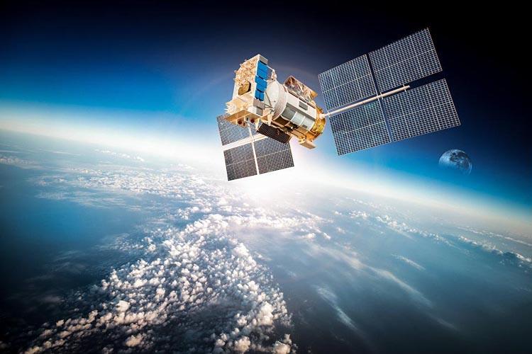 «Росэлектроника» начала производство первых российских СВЧ-трактов для спутников