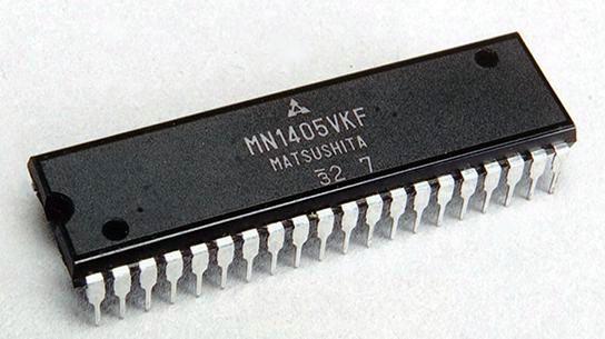 Кассетный магнитофон National EL-3301T.