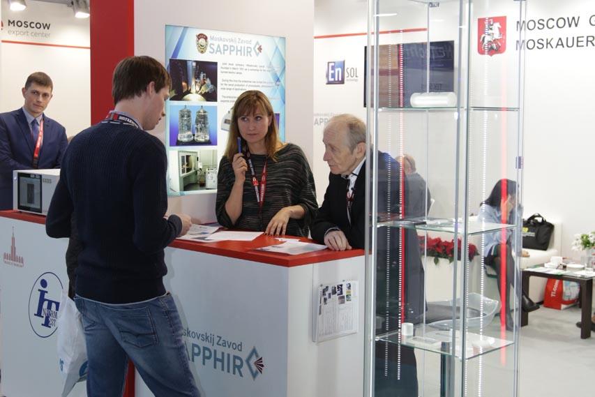 «Швабе» представил в Германии технологию выращивания крупного сапфира