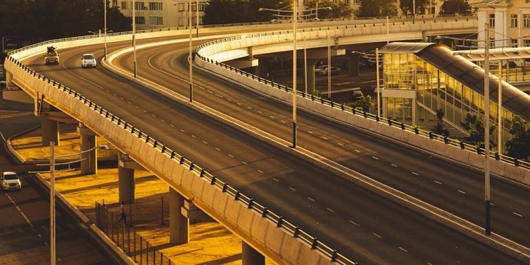 На дорогах Москвы за порядком движения следит нейросеть