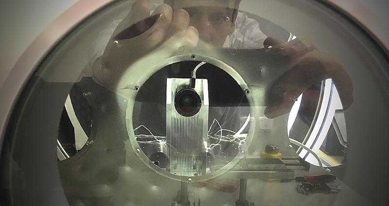 В России завершены испытания самого маленького и точного в мире датчика ориентации для спутников