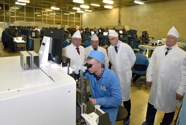 ЗАО Группа Кремний ЭЛ запустило производство транзисторов и микросхем для смартфонов и ноутбуков