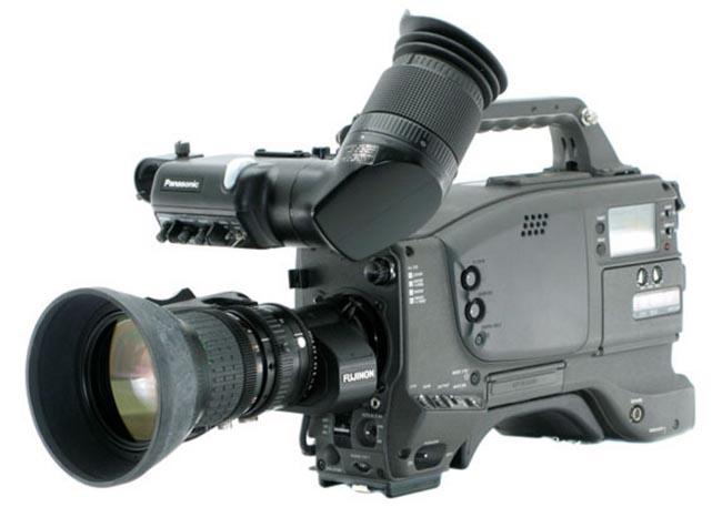 Видеокамера Panasonic AF-D700.
