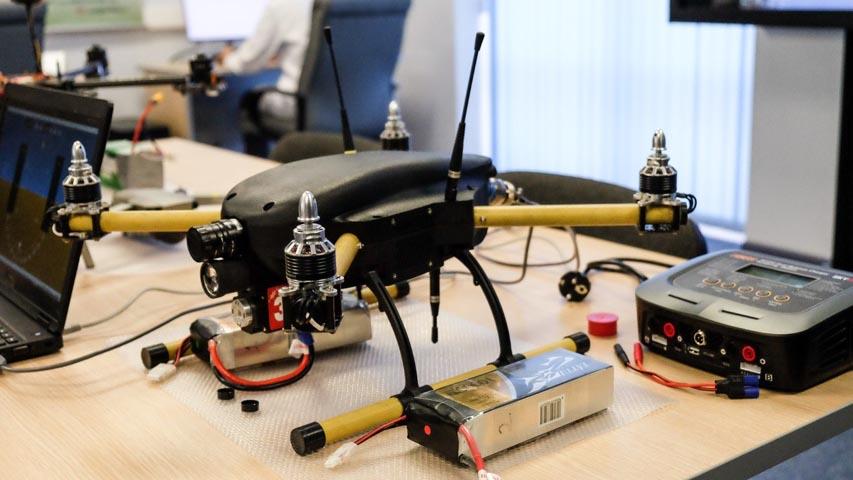 Команда лаборатории перспективных систем управления ФАКТ приняла участие в финале конкурса Аэробот