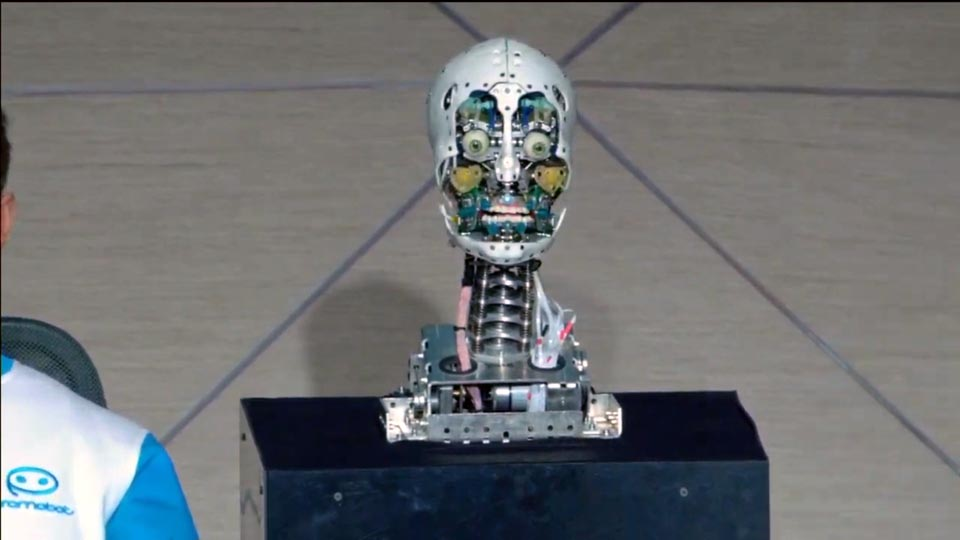 Компания «Промобот» представила российского робота-двойника человека