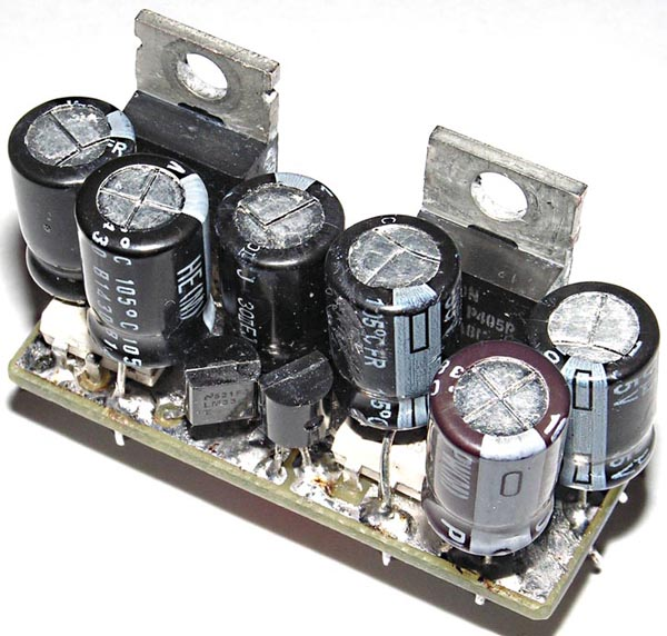 Усовершенствованный двуполярный стабилизатор на ОУ и мощных полевых транзисторах с токовой защитой и ультранизким уровнем пульсаций