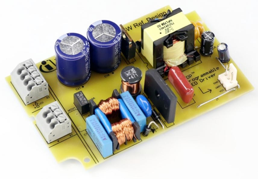 XDPL8210 35 W constant current reference board with 0-10 V dimming Interface