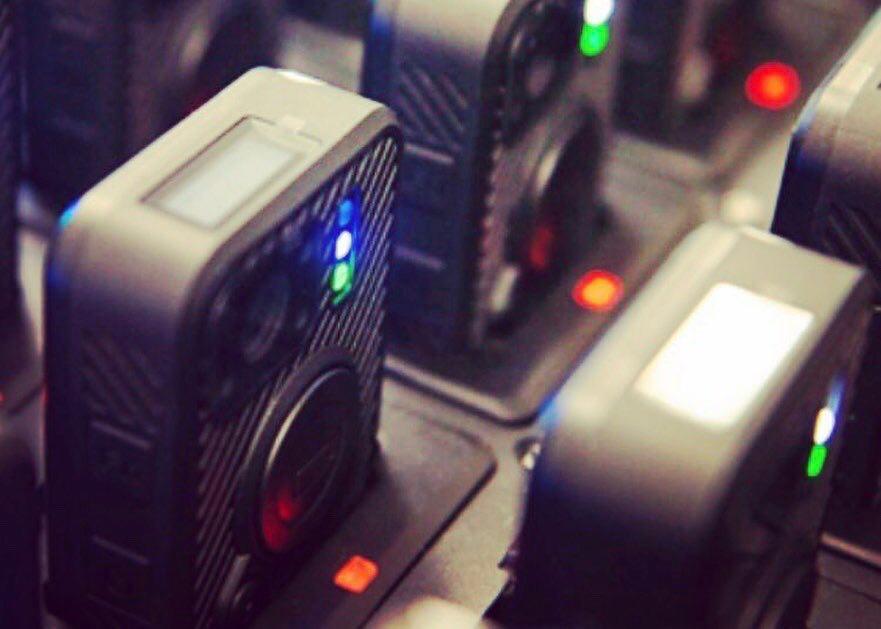 «Росэлектроника» начала производство зарядных терминалов для нагрудных видеорегистраторов силовиков