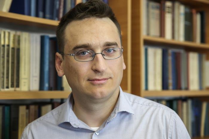 Профессор Александр Ханикаев