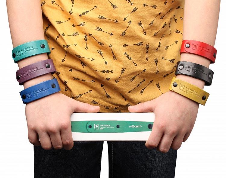 Микрон школьникам первые часы-телефон Москвенок со