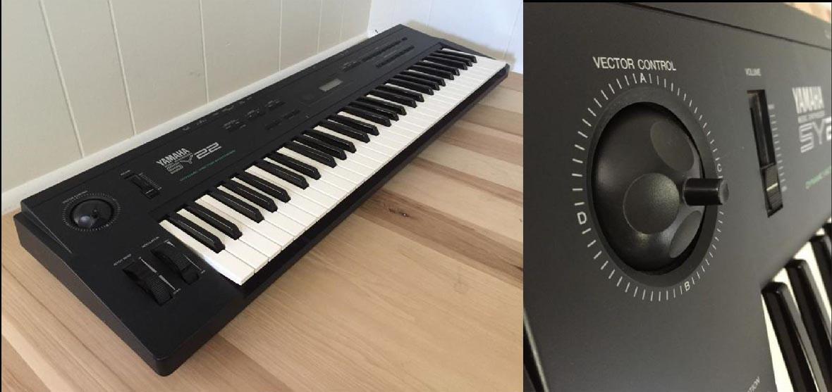Векторный синтезатор Yamaha SY22.