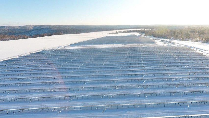 «Хевел» построила крупнейшую в России солнечную электростанцию с накопителем энергии