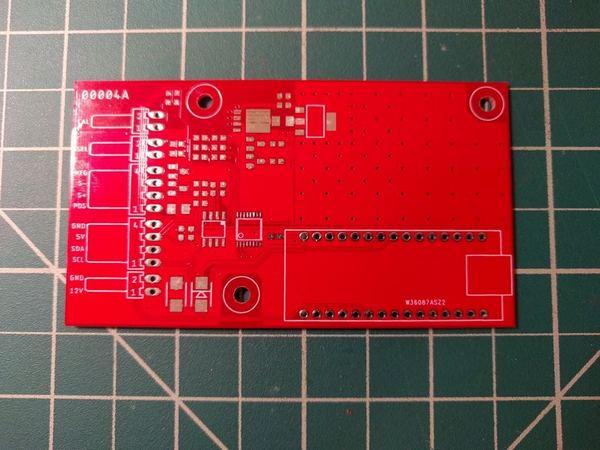 Внешний вид готовой печатной платы миллиомметра на Arduino.