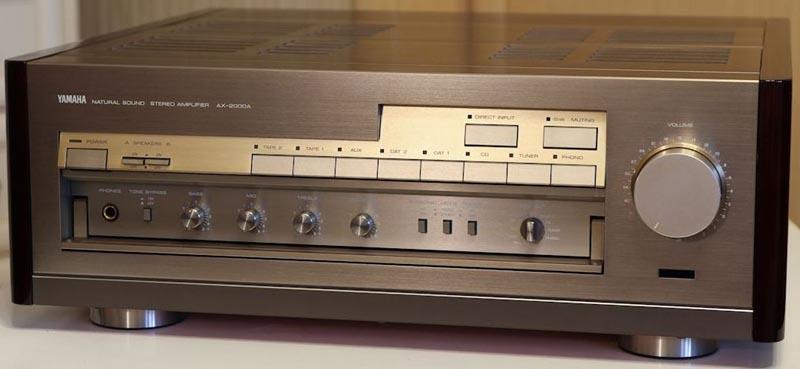 AV-усилитель Yamaha АX-2000A.